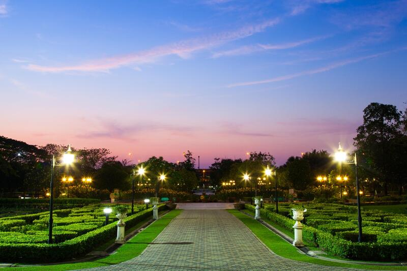 Commercial Property Landscape Lighting in Metro Detroit
